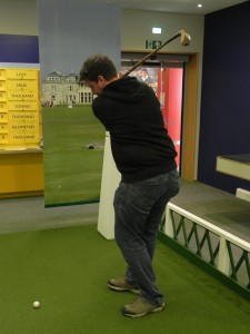 British Golf Museum - Abschlag mit einem Driver von 1885
