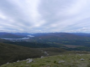 Sicht von der Ben Nevis Range in Richtung Fort William