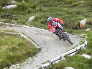 Downhill Mountainbiker auf der WorldCup Strecke am Ben Nevis