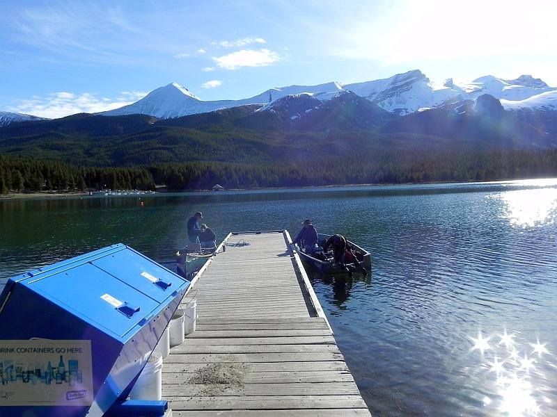 Fischer am Maligne Lake